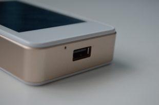GlocalMe G2 USB Port Side Shot