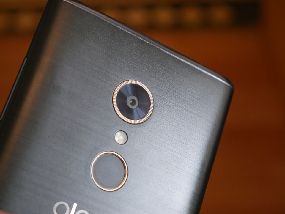 Alcatel 5 Review